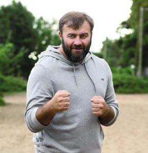Михаил Пореченков: «Мужчина обязан быть щедрым»
